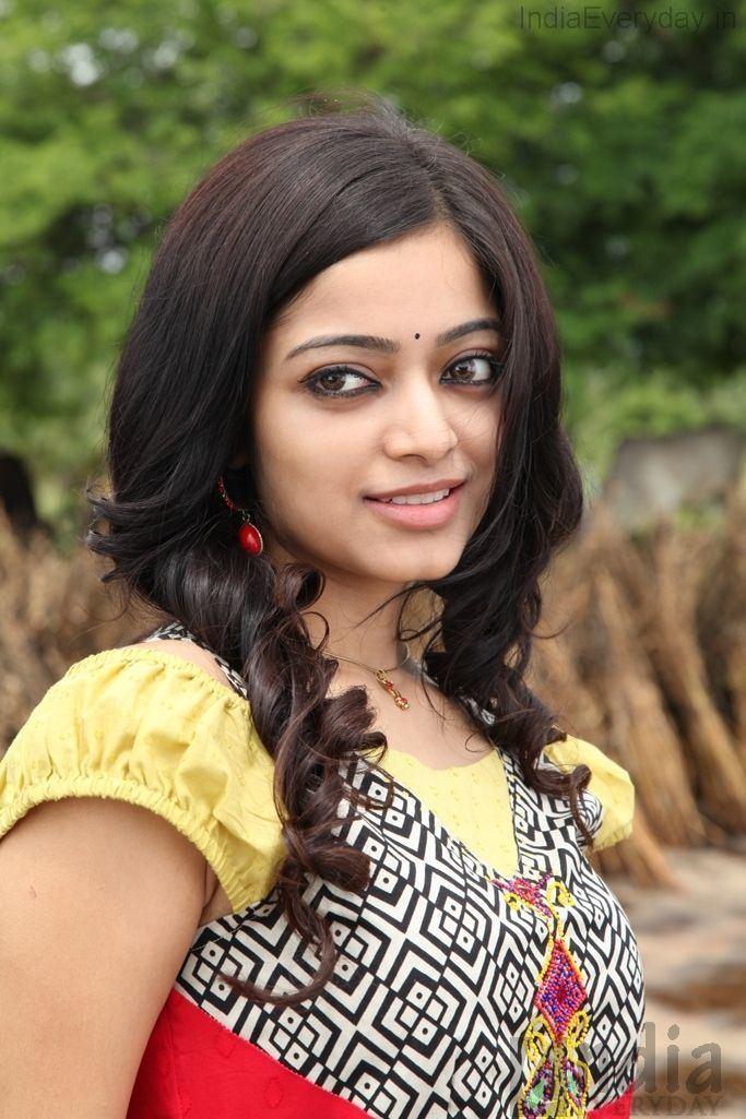 Janani Iyer Janani Iyer 15 Janani Iyer Actress Gallery