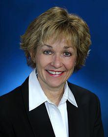 Jane Earll httpsuploadwikimediaorgwikipediacommonsthu