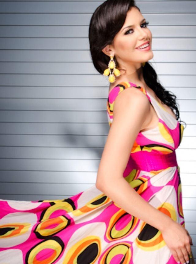 Janelee Chaparro FotoJaneleeChaparro2jpeg
