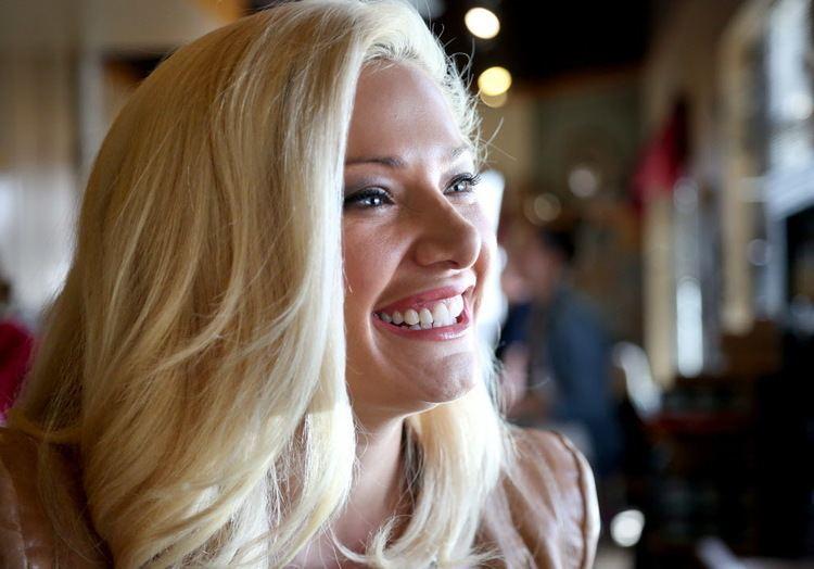 Janelle Pierzina Minnesota star of Big Brother makes leap from reality TV to Edina