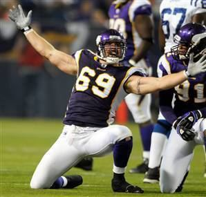 Jared Allen RealScouts rates Jared Allen as the Number 1 Defensive end in the