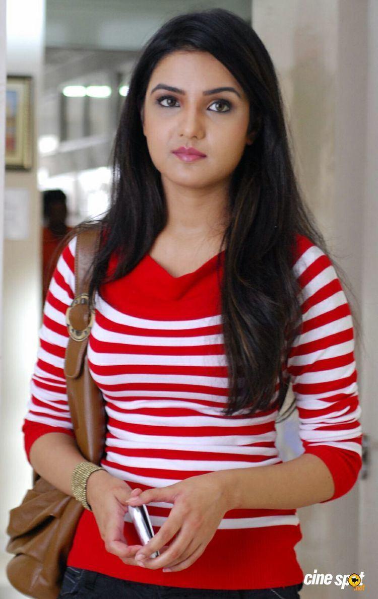 Jasmin Bhasin 2011