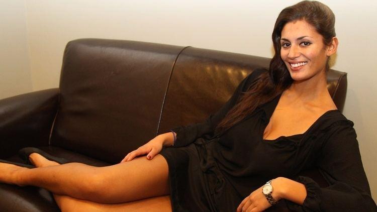 Jasmin Mäntylä Jasmin Mntyl hehken pikkumustassa katso Viihde MTVfi