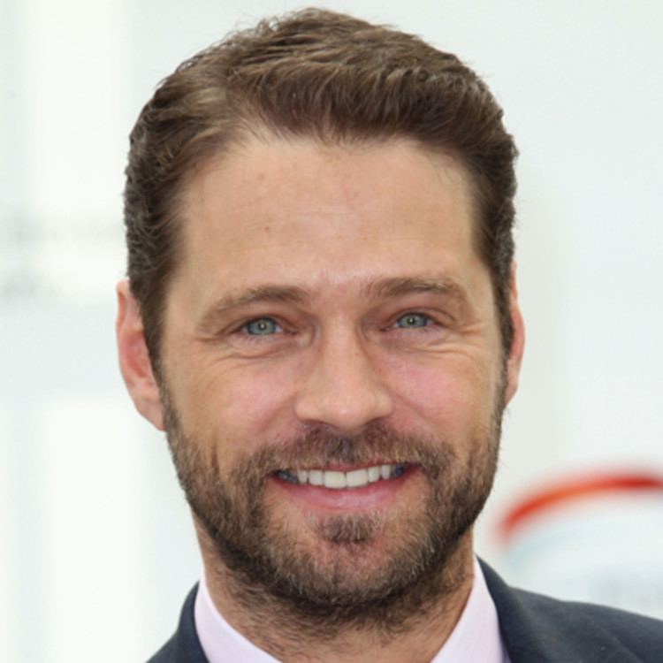 Jason Priestley Jason Priestley Actor Television Actor Film Actor Biographycom