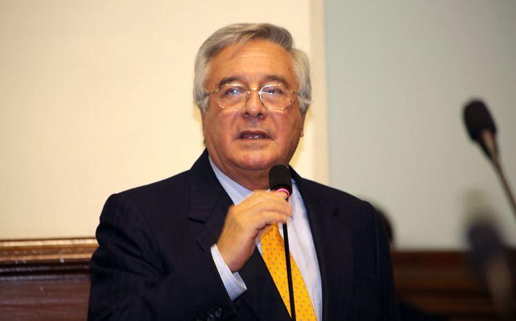 Javier Bedoya Javier Bedoya es el candidato de la oposicin a la