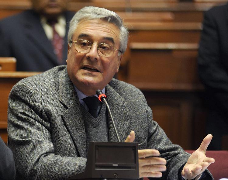 Javier Bedoya httpsuploadwikimediaorgwikipediacommons77