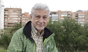Javier Cacho Gomez Javier Cacho desmenuza las historias del explorador ingls