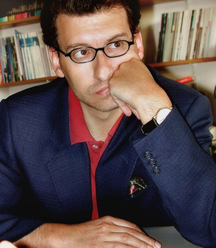 Javier Carballo httpsuploadwikimediaorgwikipediacommonsthu