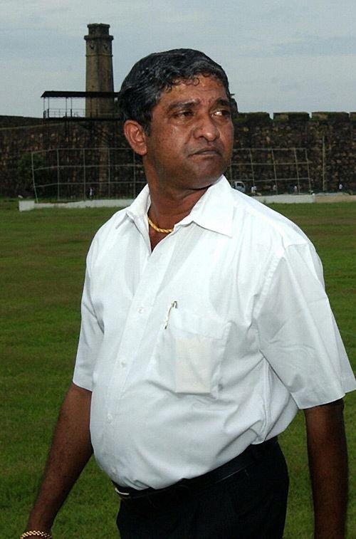 Jayananda Warnaweera (Cricketer)