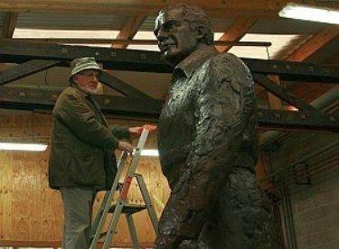 Jean Cardot Jacques ChabanDelmas vu par le sculpteur Jean Cardot de lAcadmie
