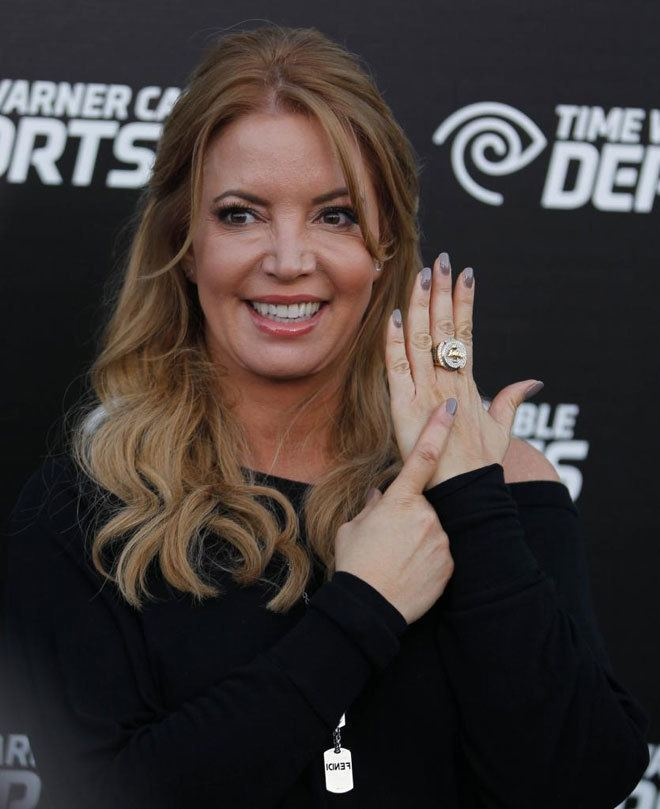Jeanie Buss Lakers GM Jeanie Buss Calls Out NBA Free Agents Wary Of