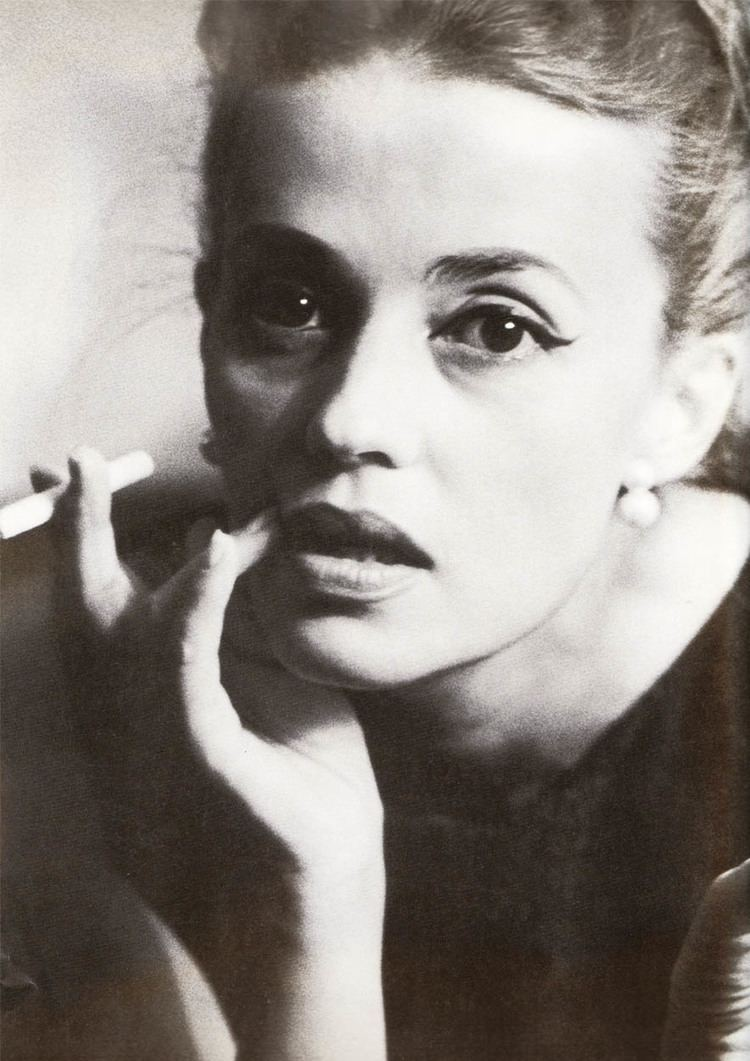 Jeanne Moreau Jeanne Moreau Muses Cinematic Women The Red List