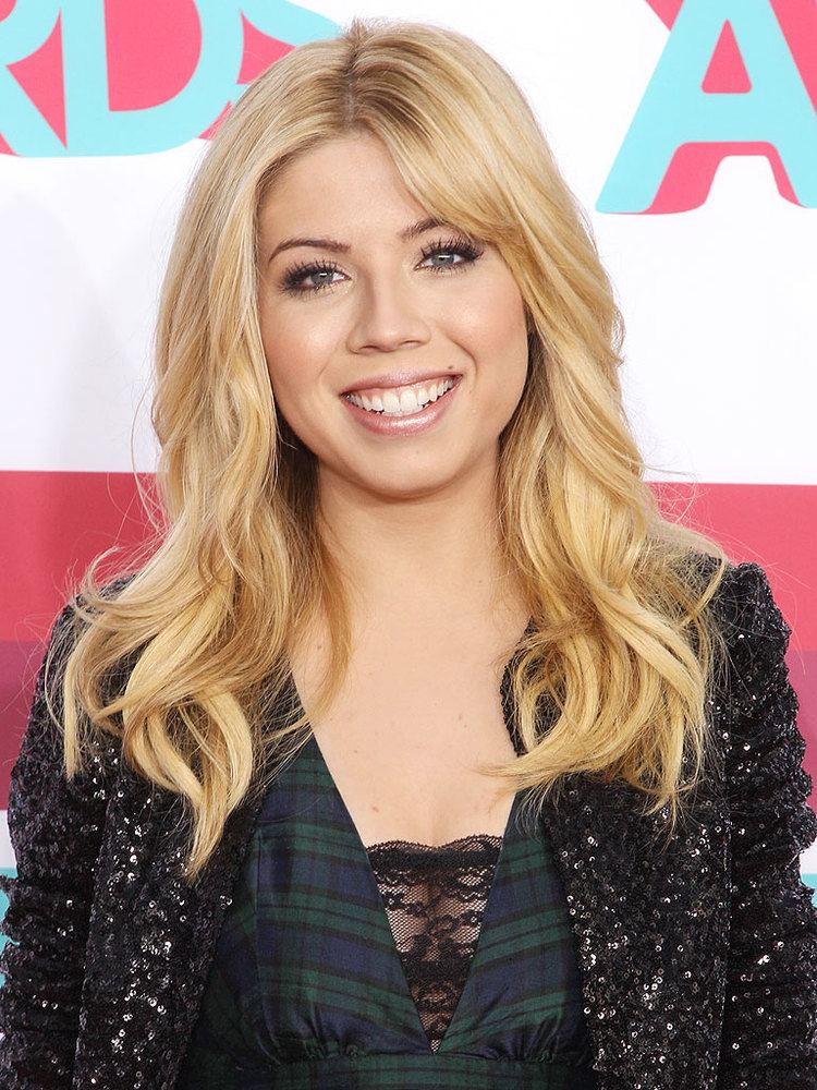 Jennette McCurdy Jennette McCurdy39s Sexy Selfies Aren39t to Blame for Sam