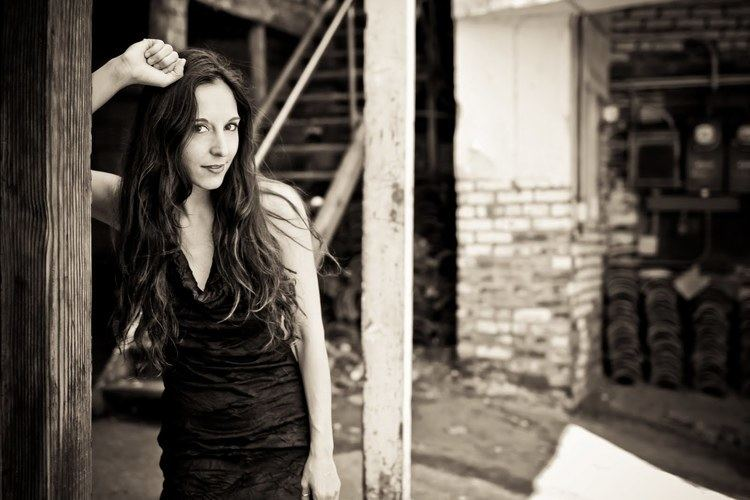 Jenni Alpert Jenni Alpert Announces East Coast Tour With Luka Bloom on