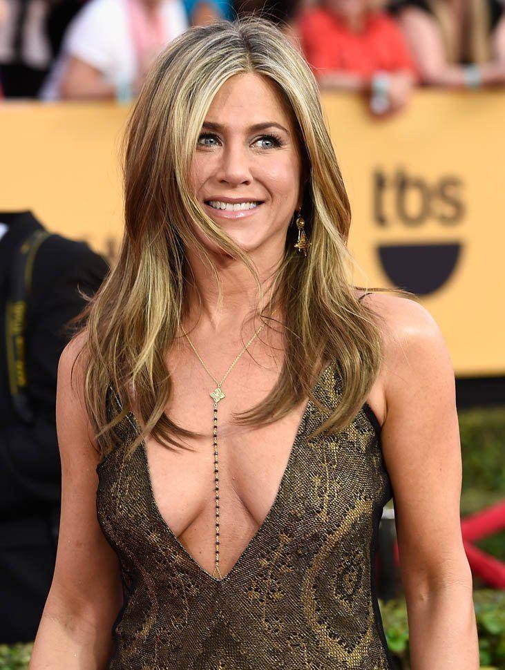 Jennifer Aniston Jennifer Aniston at the 2015 Screen Actors Guild Awards