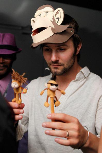 Jerad Anderson 100 Monkeys In Concert Pictures Zimbio
