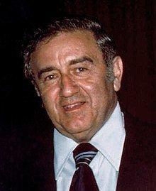Jerry Siegel httpsuploadwikimediaorgwikipediacommonsthu