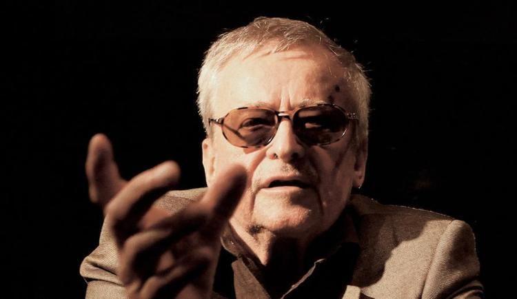Jerzy Jarocki ona legendarnego reysera krytykuje POLITYK za tekst o