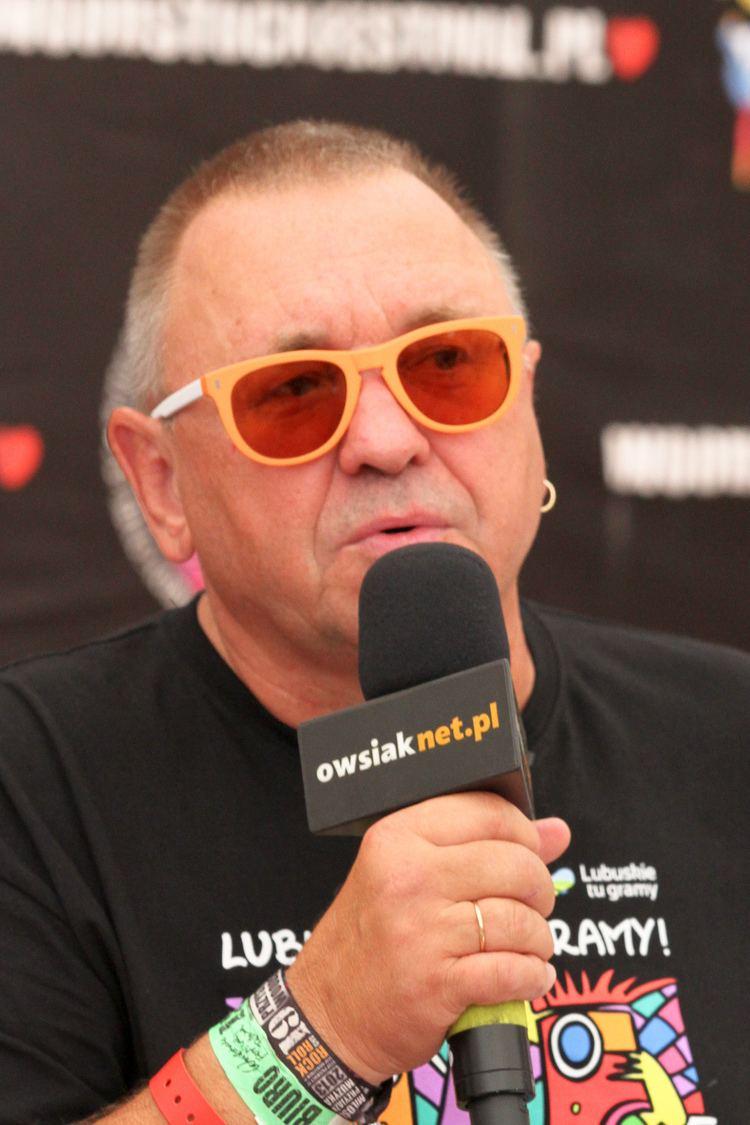 Jerzy Owsiak File2013 Woodstock 007 Jerzy Owsiakjpg Wikimedia Commons