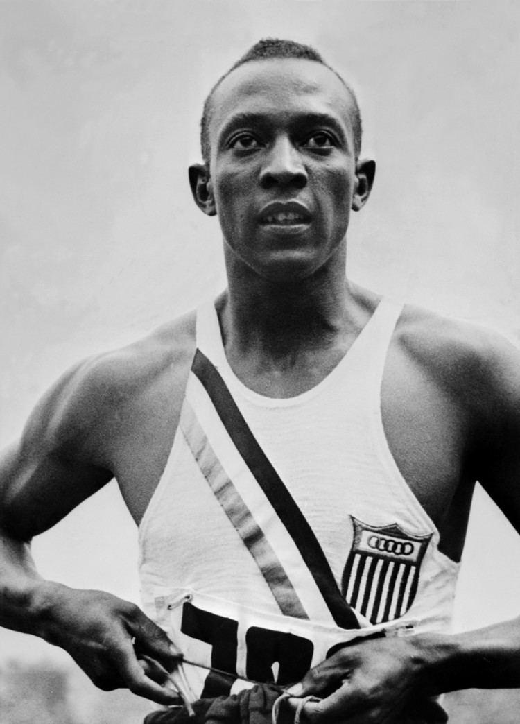 Jesse Owens httpswwwbiographycomimagetshareMTE5NTU2M