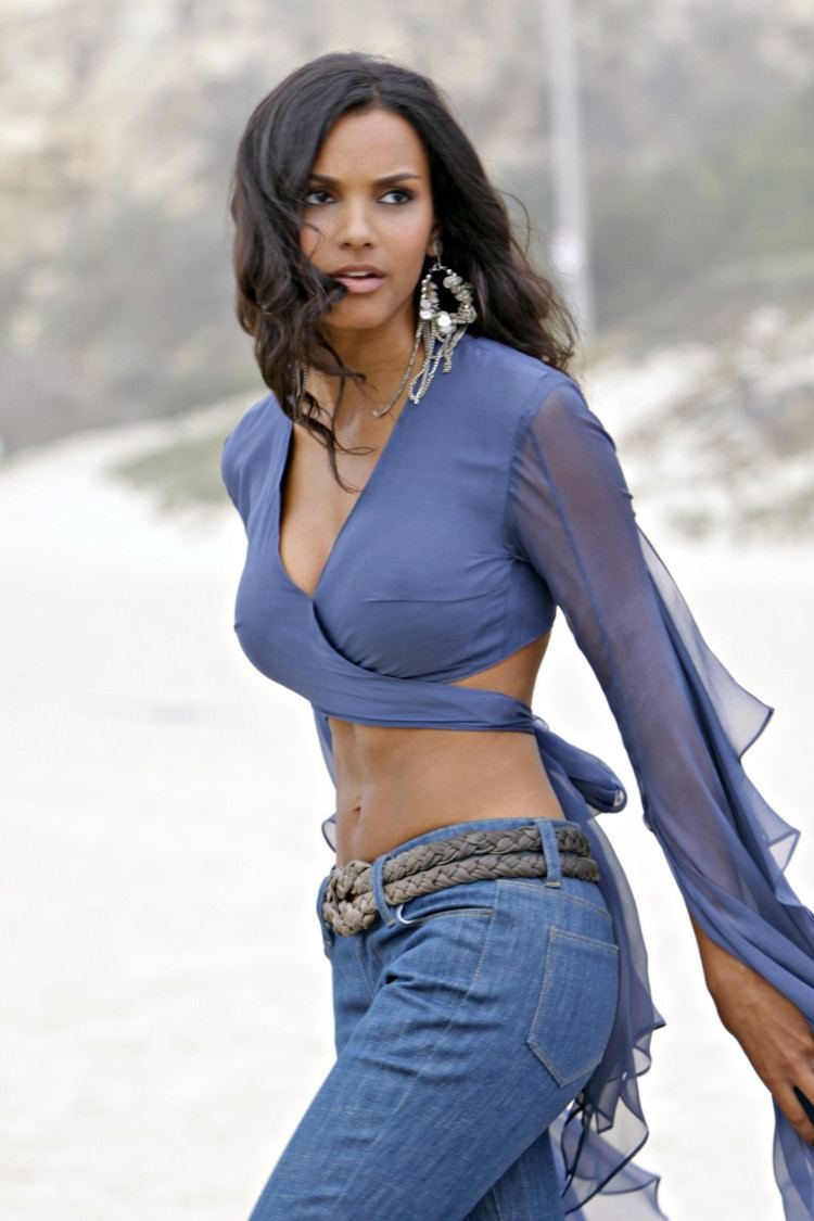 Jessica Lucas Jessica Lucas Profile Hot Picture Bio Bra Size Hot