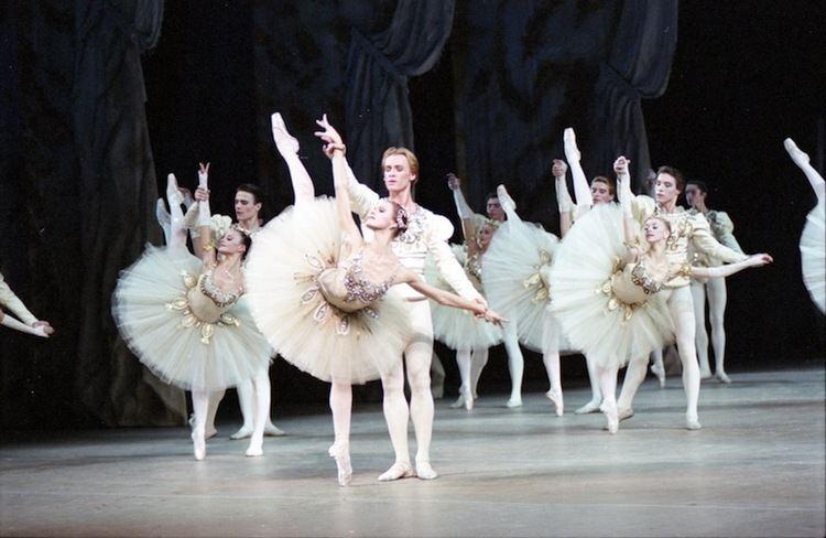 Jewels (ballet) wwwtheballetbagcomwpcontentuploads200905Di