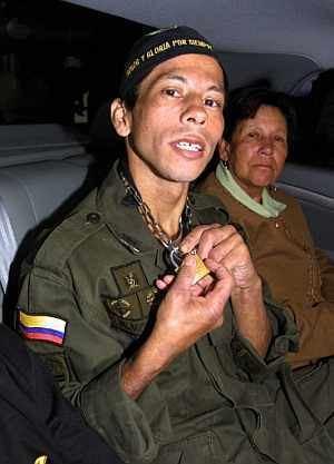 Jhon Frank Pinchao Un polica dice que Ingrid Betancourt trat de escapar cinco veces