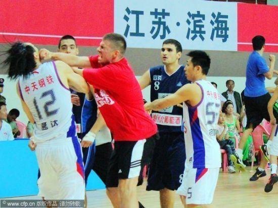 Jiangsu Dragons Jiangsu Dragons friendly match goes to chaos Sports News SINA