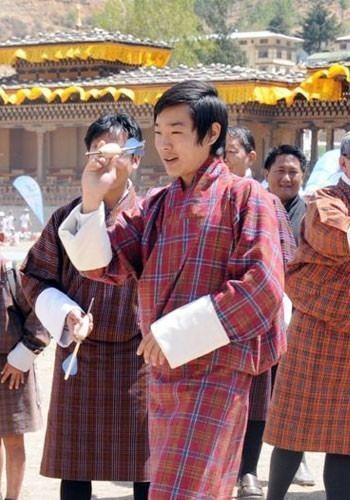 Jigyel Ugyen Wangchuck Sowing the seeds of sport in Bhutan Official Website of