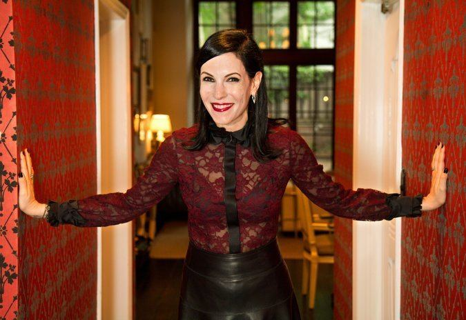 Jill Kargman In 39Odd Mom Out39 Mining the Upper East Side for Comedy