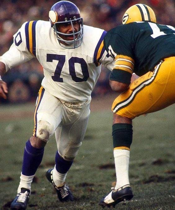 Jim Marshall (gridiron football) Jim Marshall Cleveland Browns 1960 and Minnesota Vikings 196179