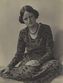 Joan Robinson httpsuploadwikimediaorgwikipediacommonsthu
