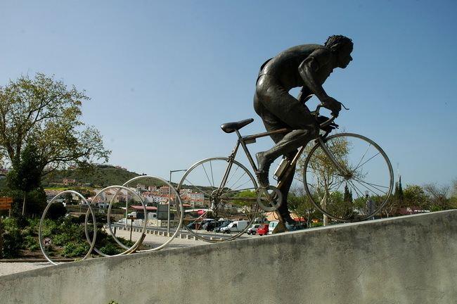 Joaquim Agostinho Monumento ao Joaquim Agostinho Torres Vedras Distrito de Lisboa