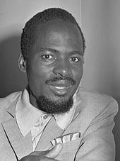 Joaquim Chissano httpsuploadwikimediaorgwikipediacommonsthu