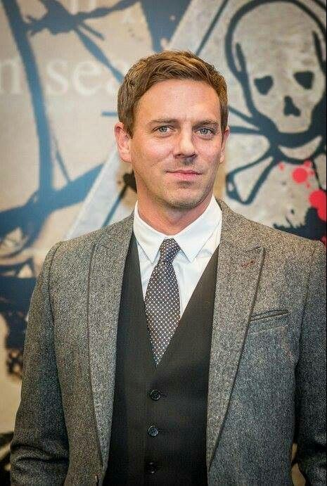 Joe Armstrong (actor) Actor Joe Armstrong looking handsome as ever My Boys Pinterest