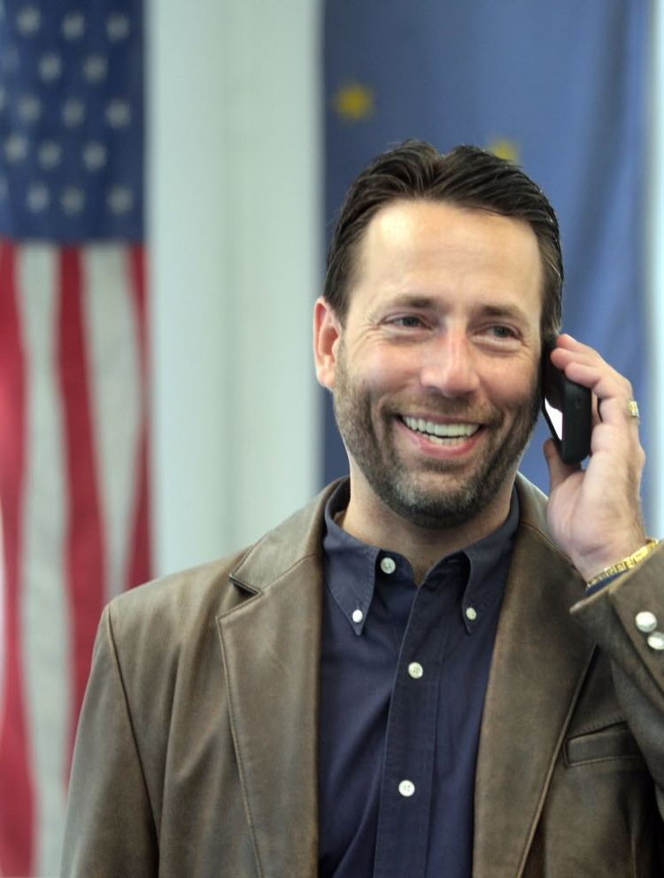 Joe Miller (Alaska politician) Alaska incumbent Sen Lisa Murkowski concedes defeat to