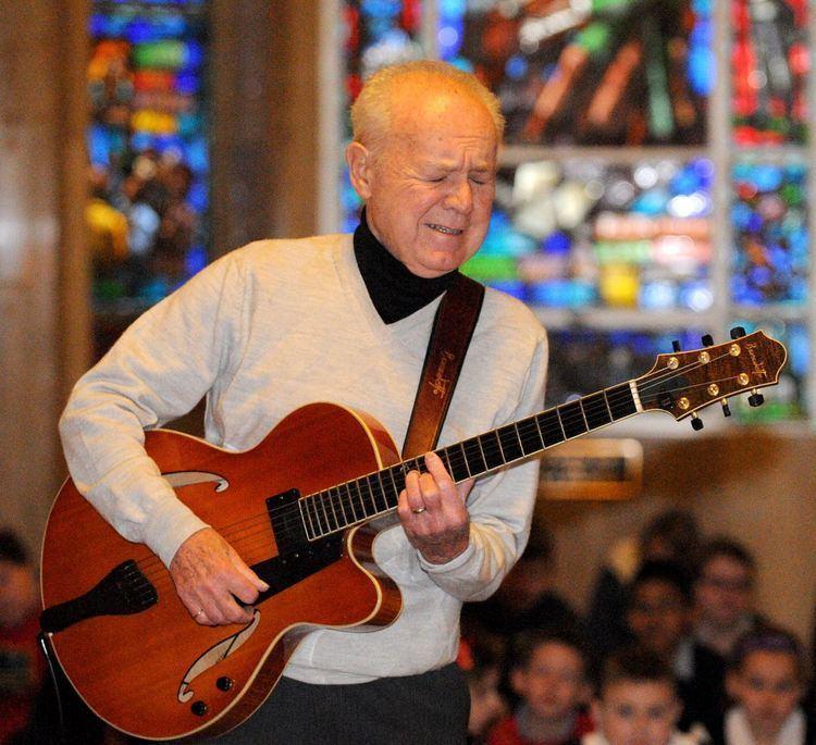 Joe Negri Joe Negri strumming an upbeat tune Pittsburgh PostGazette