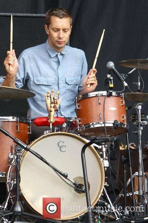 Joe Plummer I39m not a drummer Can one of you explain what this