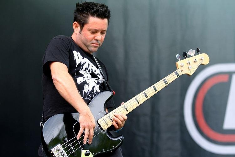 Joe Raposo (bassist) httpsuploadwikimediaorgwikipediacommons99