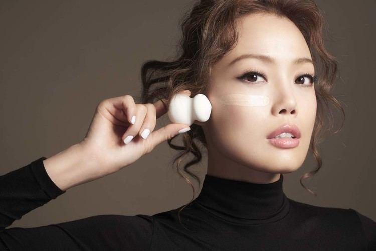 Joey Yung SHU UEMURA X joey yung Asia39s leading Art directing agency