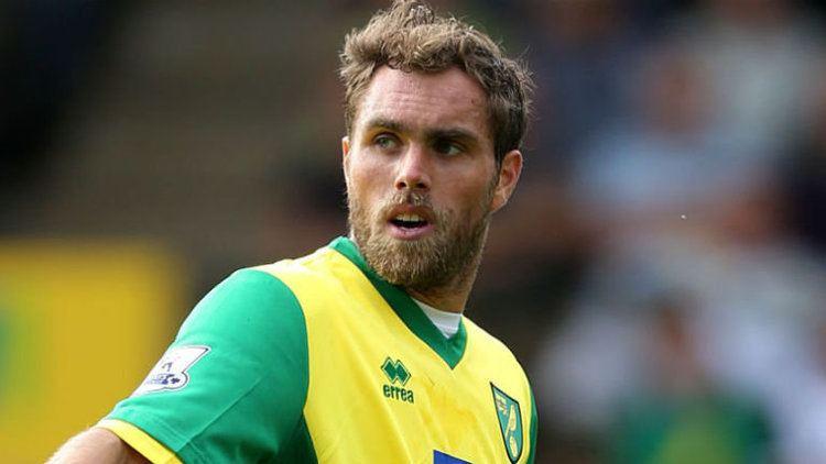 Johan Elmander Transfer news Johan Elmander is considering his options