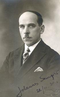 Johannes Semper httpsuploadwikimediaorgwikipediacommons99