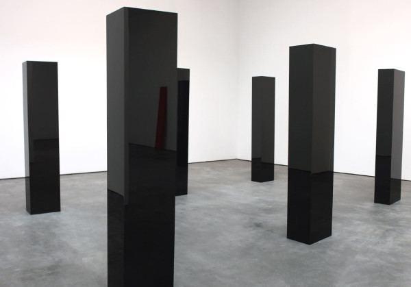 John McCracken Reflecting In The Sculptures of John McCracken Design Milk