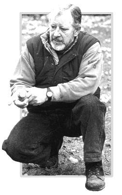 John Mills (British sculptor) wwwcrisperantoorggalleryQCAgalleryJohnWMills4jpg