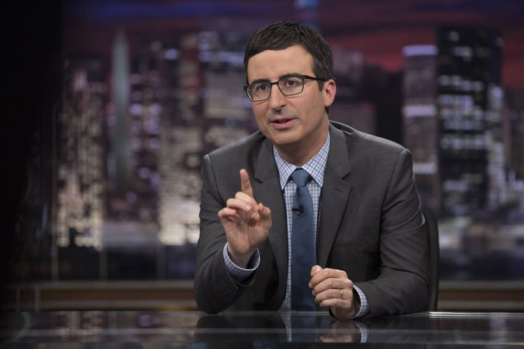 John Oliver Last Week Tonight with John Oliver39 Changes the Game With a Dog