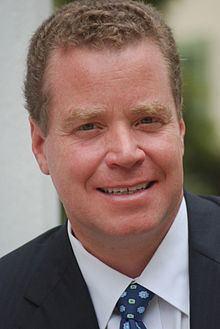 John Oxendine httpsuploadwikimediaorgwikipediacommonsthu