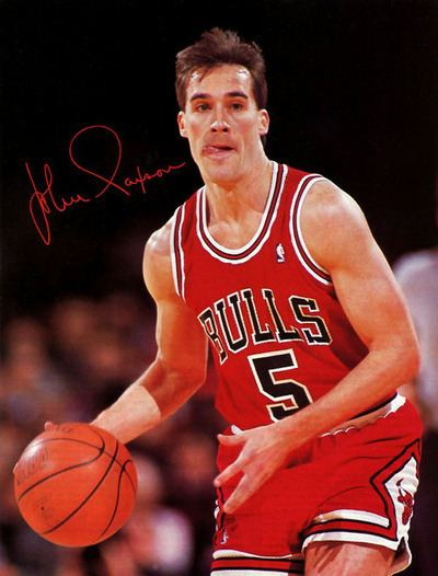 John Paxson I wanna hit it way way out like John Paxton But for now