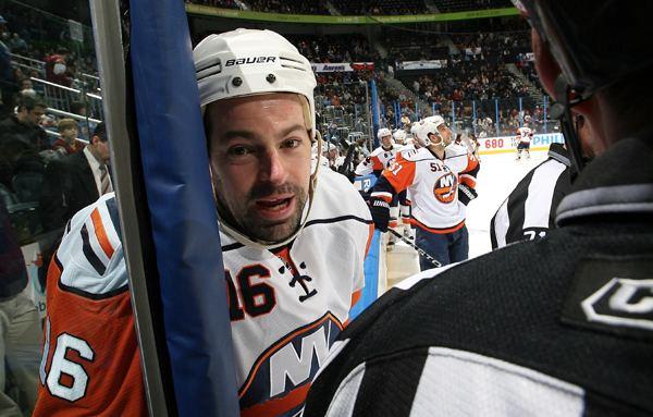 Jon Sim NY IslandersCountry gt Jon Sim rejoins ISLES