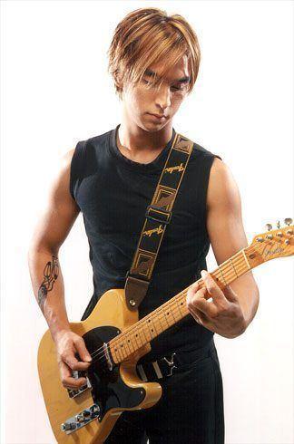 Joni Anwar Joni Anwar aka Joni Raptor famous singer in Thailand