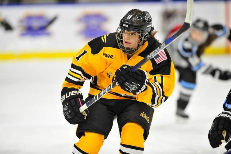 Jordan Smelker Womens Hockey Life